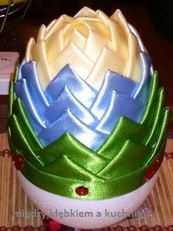 jajko wielkanocne, ozdoby świąteczne, Wielkanoc, wstążki, karczoch, jaja styropianowe