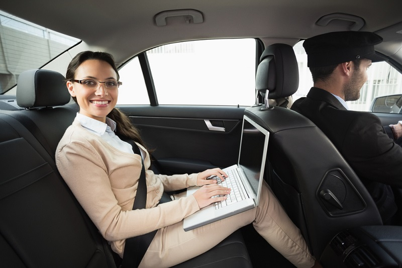 Limousine Luxury Airport Transfer Services