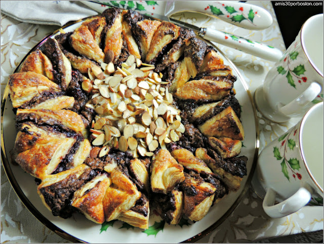 Estrella de Hojaldre con Chocolate, Frambuesas y Almendras