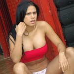 Andrea Rincon, Selena Spice Galeria 21 : Jean Azul y Top Rojo Foto 73