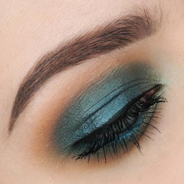 Niebieski makijaż Zoeva Aristo