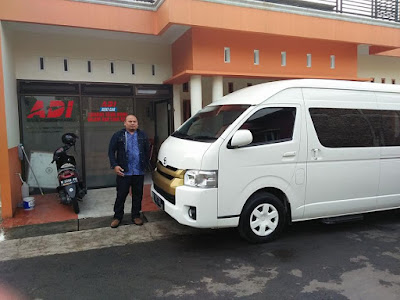Armada HIACE Adi Rental Mobil - 5 days with a group of former minister / head of the presidential staff (purwokerto-Dieng-solo)