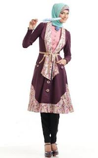 Model Atasan Tunik Untuk Wanita Muslimah Sedang Trend Saat Ini