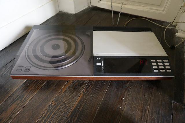 une platine et lecteur k7 Beocenter 7000 de Bang & Olufsen  turnable tape player