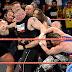 RAW 12/6/2017: Άγριο ξύλο μεταξύ Lesnar - Samoa Joe