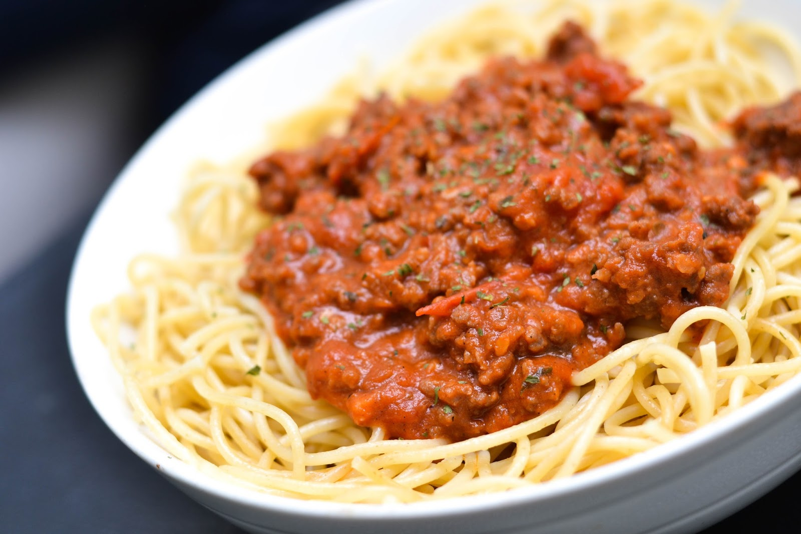 Side view of Spaghetti Bolognese