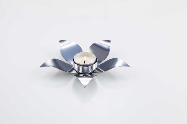 Bell Flower Plain by Arttdinox for RS.600