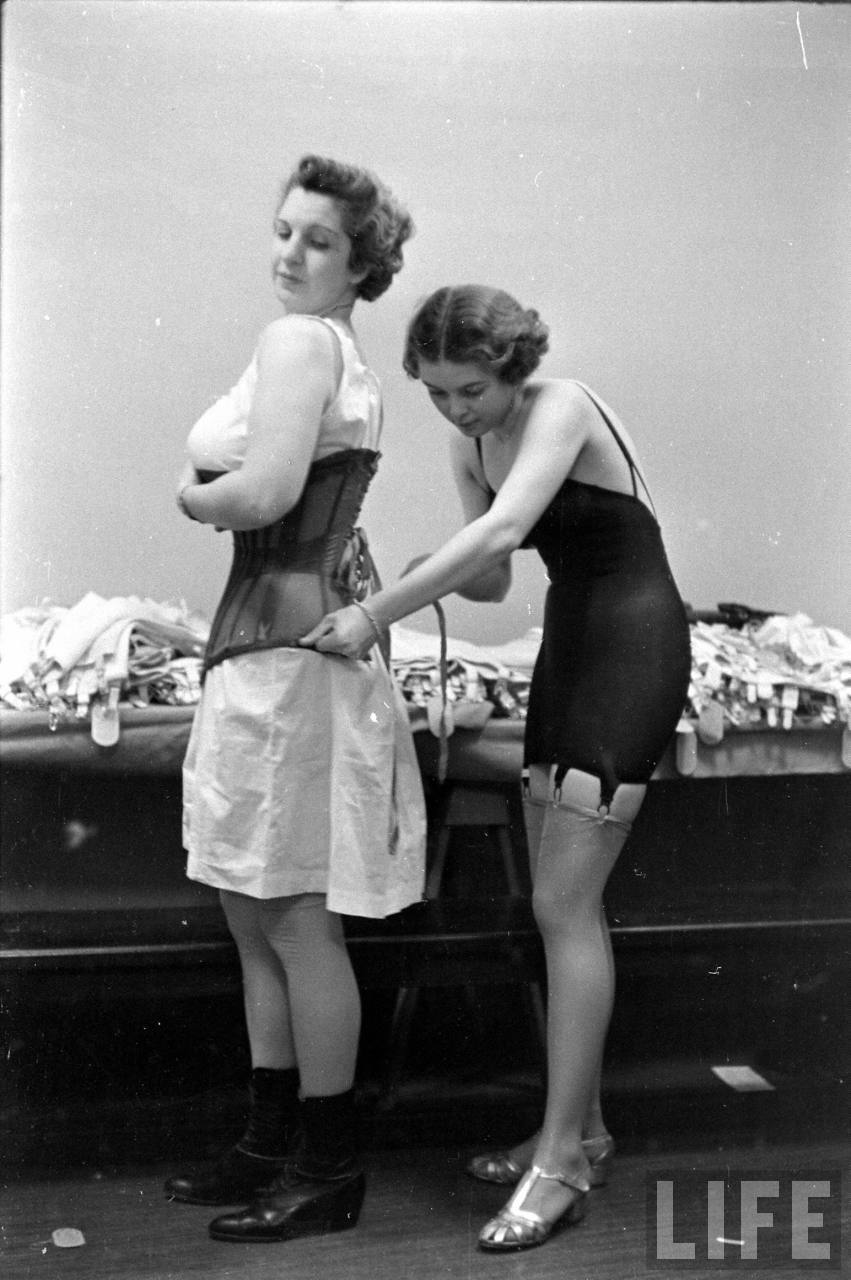 candid behind the scenes photos from a lingerie show in the 1940s