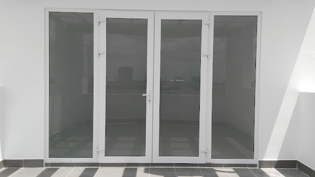 Hình ảnh cửa nhựa lõi thép sử dụng cho mặt tiền lầu 4 và lầu 5.