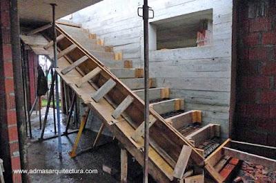 Construcción de gradas de hormigón armado