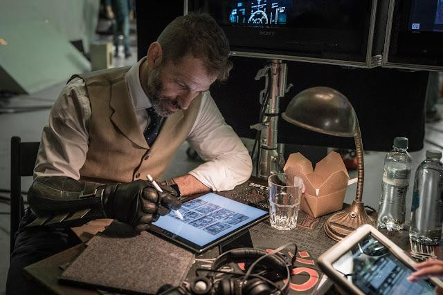 Zack Snyder avanza una escena de 'La Liga de la Justicia' con Deathstroke