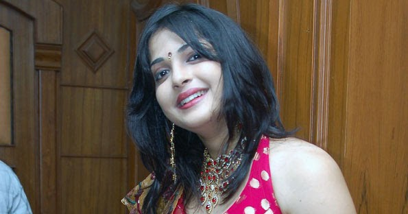 Real Hot Tamil Aunty Photos Wallpapers Latest Mulai -2432