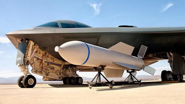 """¿Un """"regalo"""" para Kim?: EE.UU. moderniza su bomba no nuclear más grande"""