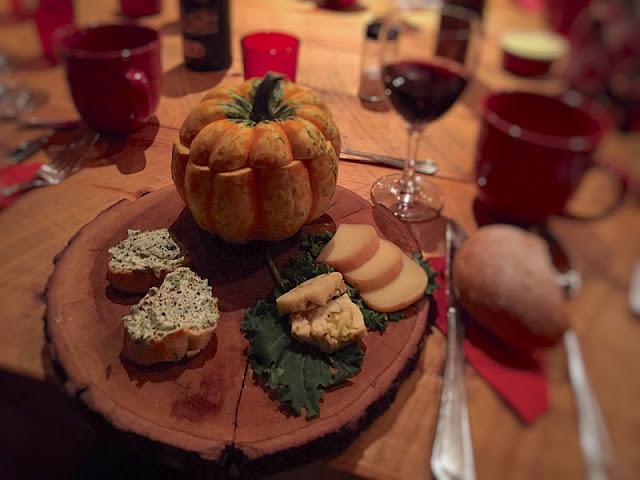 Potage des champs, croûtons au brocoli sauvage et fromages du terroir
