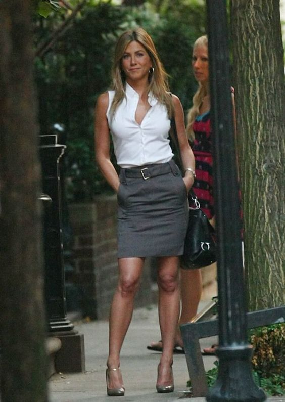 15 hot pictures of a top celebrity Jennifer Aniston