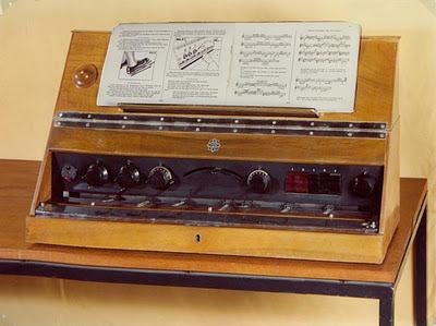 Uno de los pocos ejemplares que existen actualmente del Telefunken-Trautonium, más conocido como Volkstrautonium, instrumento en cuyo diseño colaboraron Trautwein y Oskar Sala