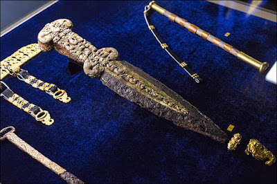 Stunning treasures from the rich tomb in Tuva