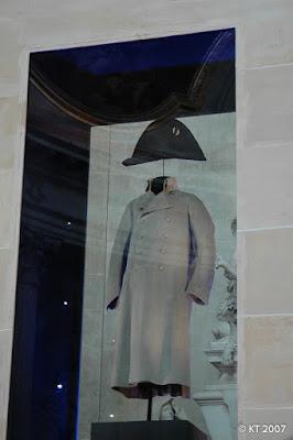 Eglise du Dôme - Napoleonin takki ja hattu
