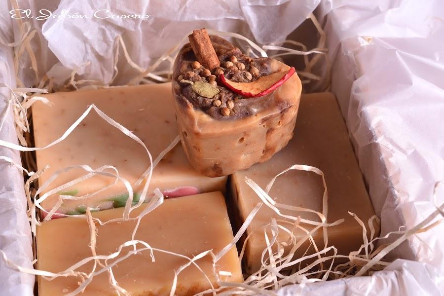 Cajitas rusticas con jabones artesanales
