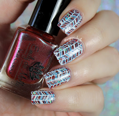 Christmas Nail Art | Emily de Molly + Baroness X + Stamping