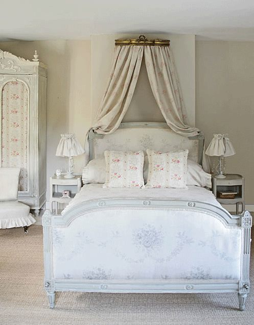 Breathtaking European farmhouse decorated bedroom found on Hello Lovely Studio