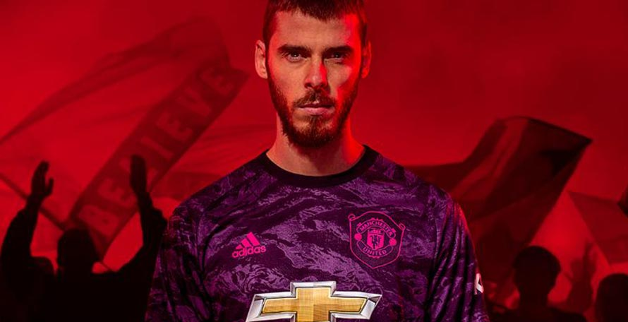huge selection of fc435 ea7e7 Manchester United 19-20 Goalkeeper Kit Released - Footy ...