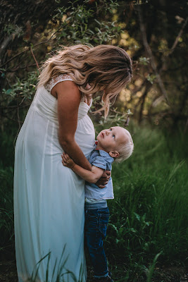 Maternity Session Ideas. Kelley family maternity photo spring session in San Diego CA by Morning Owl Fine Art Photography.