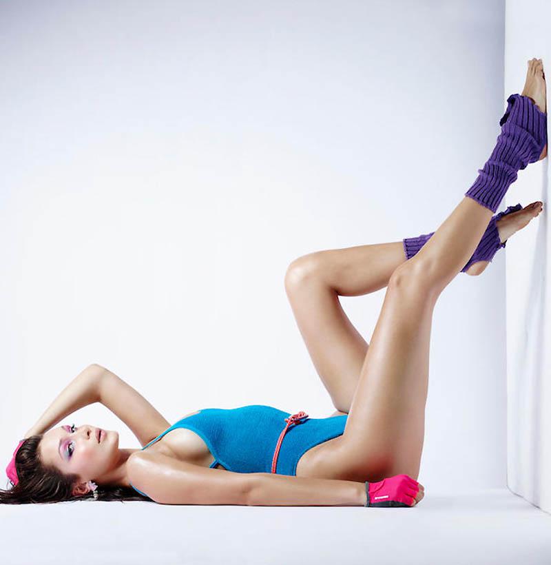 Bella Hadid par Rankin - Calendrier de l'Avent du magazine LOVE