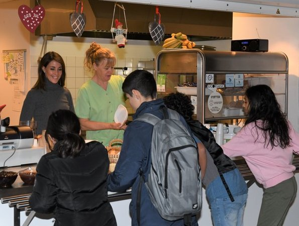 Princess Marie of Denmark visited FødevareBanken's (Danish Food Bank) Breakfast Cafeteria in Gildbro School in Ishøj