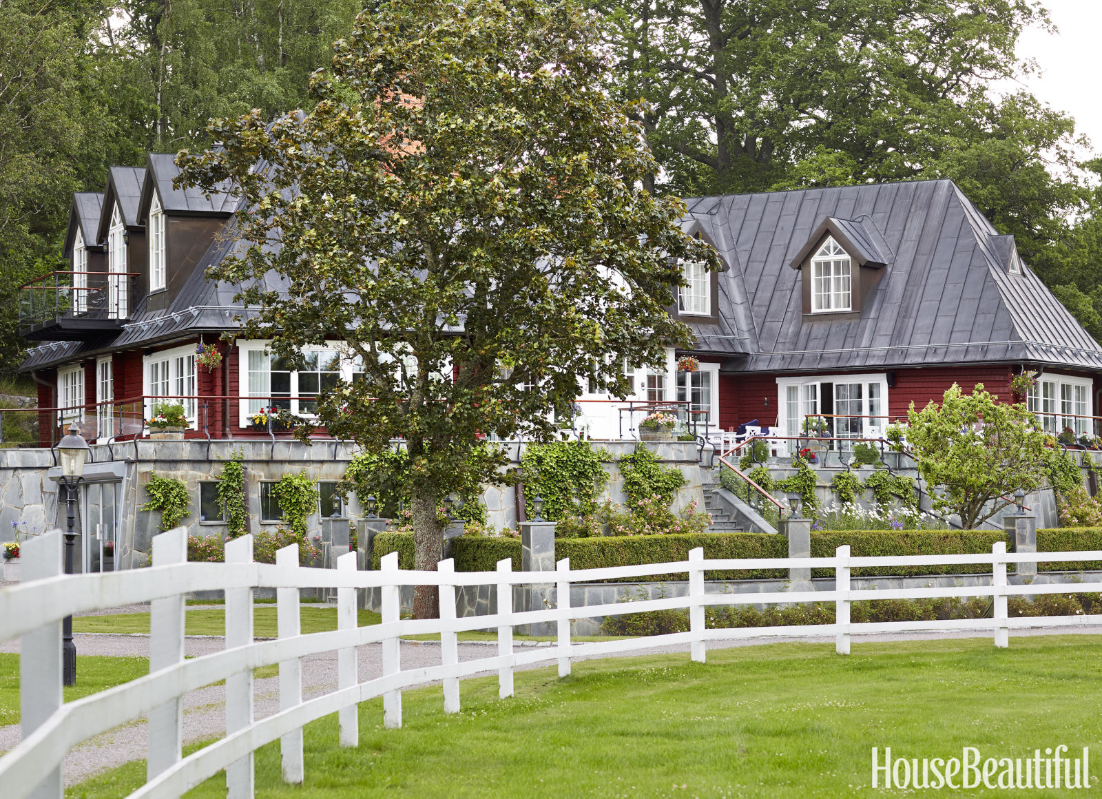 Hydrangea hill cottage loving this swedish home by for Swedish home design
