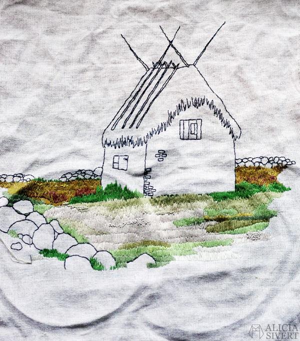 aliciasivert, alicia sivert, alicia sivertsson, lambgifte, lambgiftet, gotland, faludden, murat hus med stråtak, broderi, thatched roof house, embroidery, needlework, hoop art, hand embroidery, hus, byggnad, skapa, skapande, kreativitet.