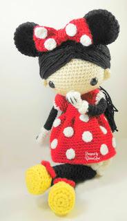 Minnie mouse amigurumi crochet doll