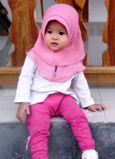 Memperkenalkan Ajaran Agama dari Kecil dengan 10 Jilbab