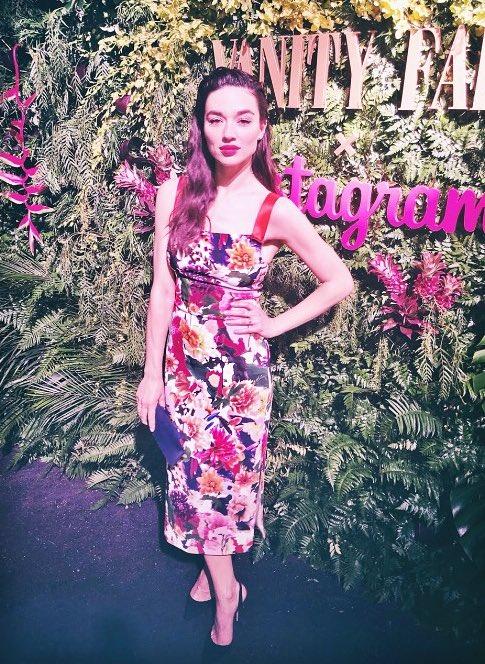 Red Carpet Dresses: Crystal Reed - Vanity Fair x Instagram