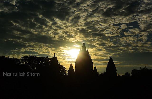 Siluet Candi Prambanan
