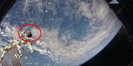 Momento do lançamento da Nave capturadora de detritos RemoveDebris satellite