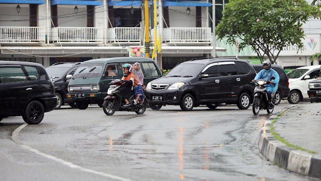 Hujan Terus Guyur Banda Aceh, Warga Diminta Waspada