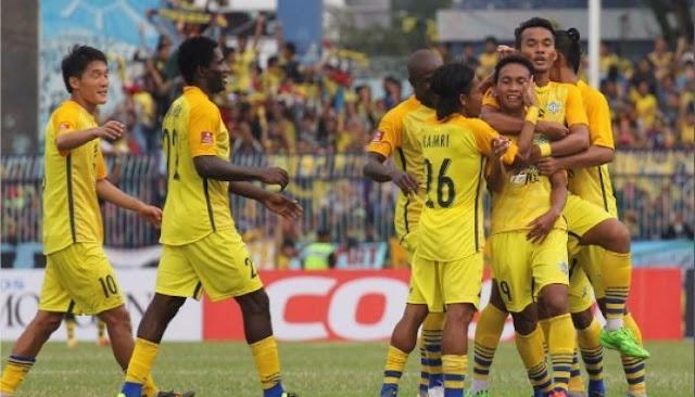 Gresik United vs Persija Jakarta