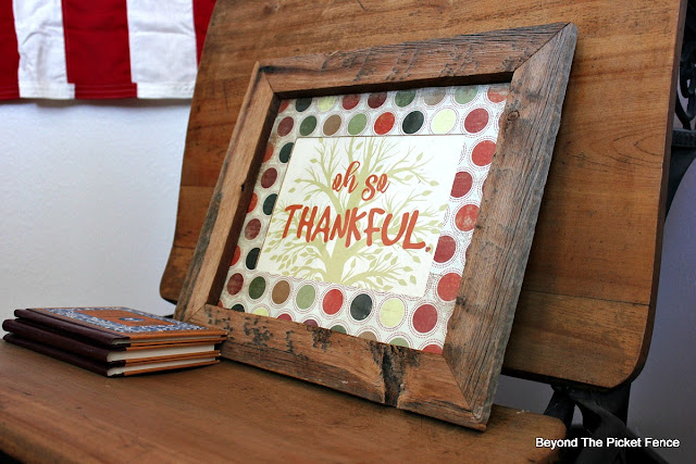 fall decor, Thanksgiving, free printable, barnwood frame, https://goo.gl/VHH6hq