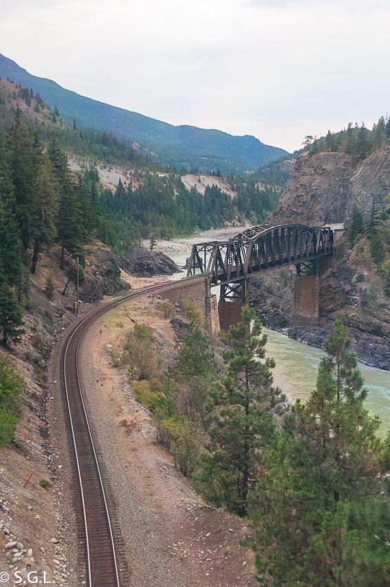 Cruce del rio Fraser en Columbia britanica