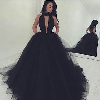 http://www.chrisdress.co.uk/2017-sexy-vneck-black-ball-gown-prom-dresses-p-156872.html