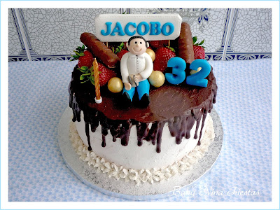 tarta personalizada chocolate y fresas