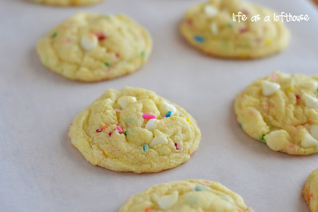 Funfetti Cheesecake Cookies are soft, chewy and sprinkle-packed, with a hint of cheesecake flavor. Life-in-the-Lofthouse.com