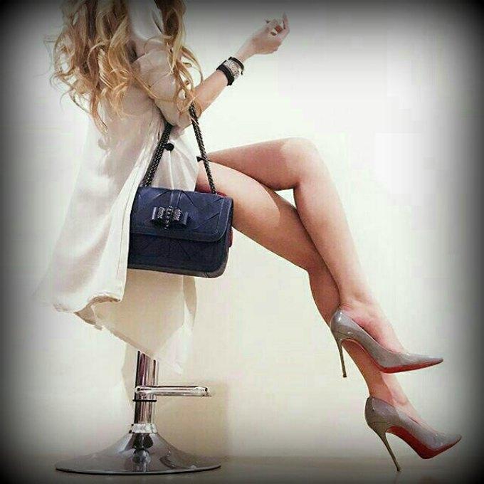 Roupas e acessórios essenciais para quem trabalha ficar sempre bem vestida