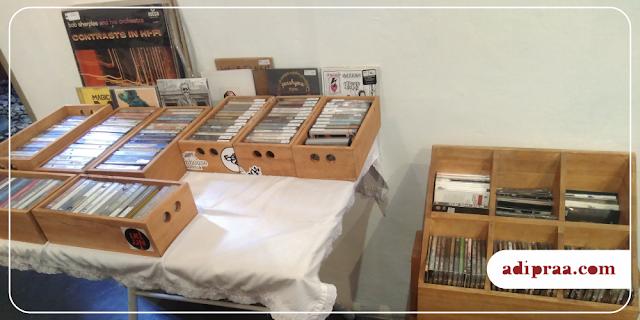 Lapak Kaset, CD dan Piringan Hitam | adipraa.com