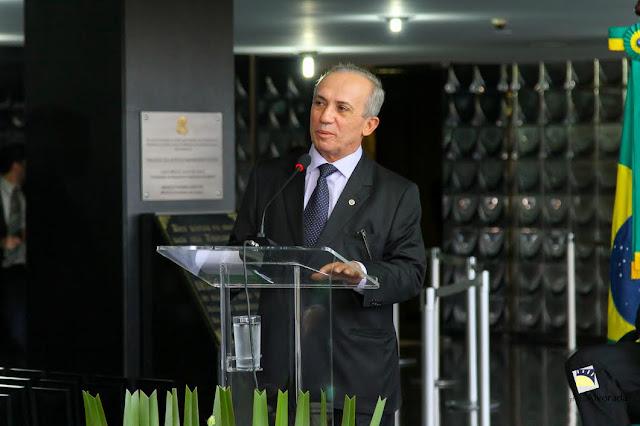 http://www.blogdofelipeandrade.com.br/2016/06/fenelon-defende-pena-mais-alta-para.html