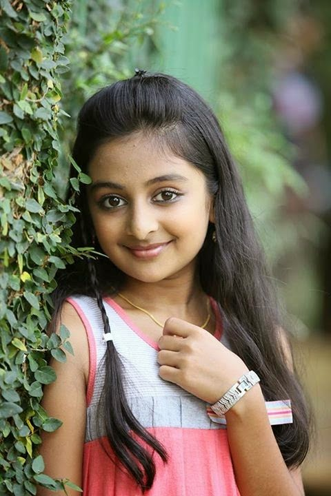 Cute Indian Girl Baby Photos Wallpapers Urstruly Suresh Beautiful Child Actors
