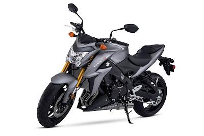 2016 Suzuki GSX-S1000 side view front HD Images