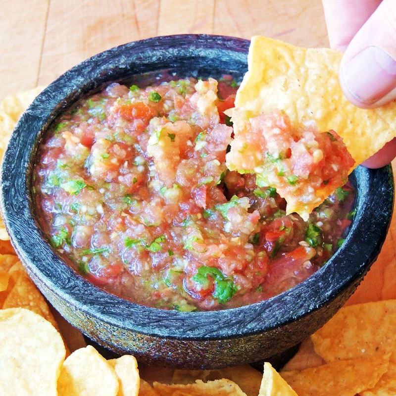 Salsa Fresca (Restaurant Style Salsa) in  black bowl with chips