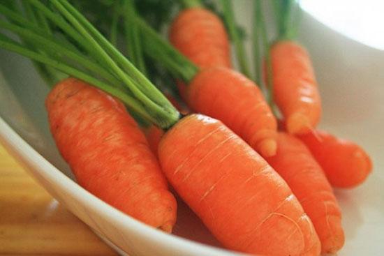 Phương pháp trắng da hiệu quả tại nhà với cà rốt